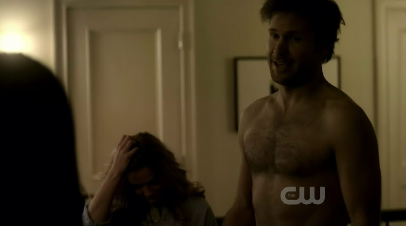 Matthew Davis Shirtless on The Vampire Diaries s2e10