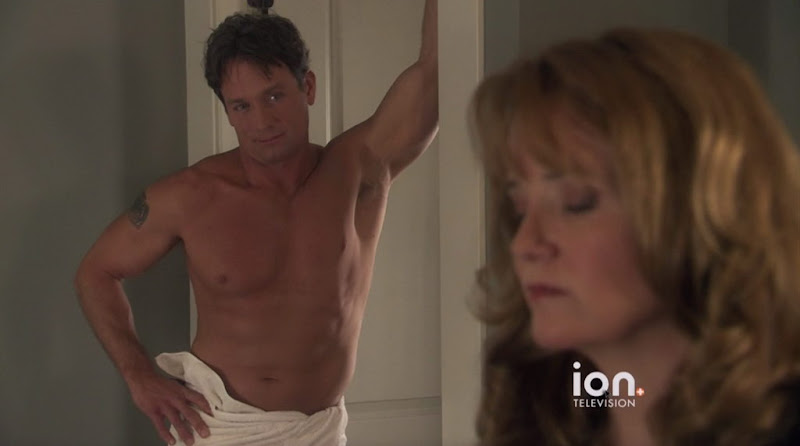 Rick Ravanello Shirtless in The Christmas Clause