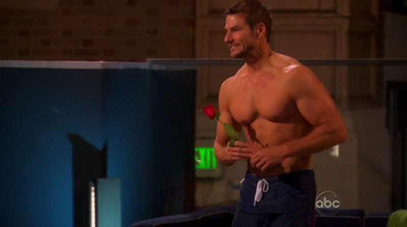 Brad Womack Shirtless on The Bachelor s15e02