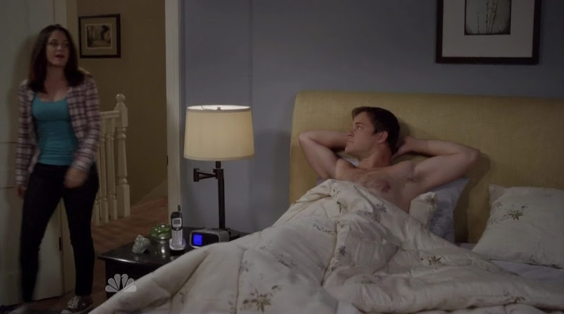 Kyle Bornheimer Shirtless on Perfect Couples s1e01