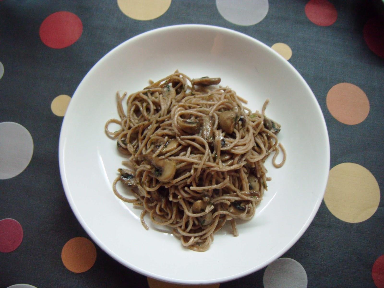 The xixi 39 s club espaguetis de espelta con champi ones for Espaguetis con ajo y perejil