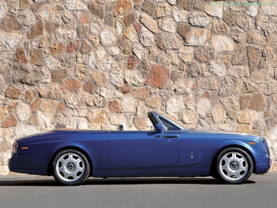 Rolls Royce Phantom Standard Resolution Wallpaper 3