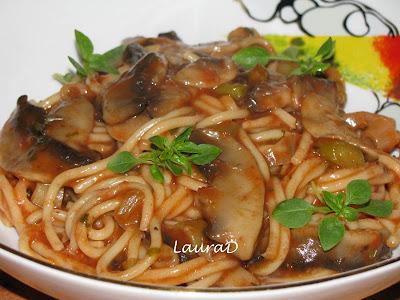 Articole culinare : Spaghetti cu ciuperci