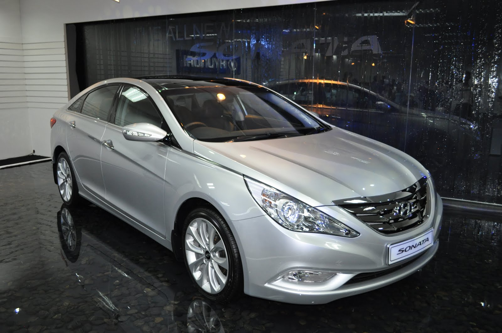 Brief Test Drive Review Of The New Hyundai Sonata YF, The Koreanu0027s Are  Coming!!