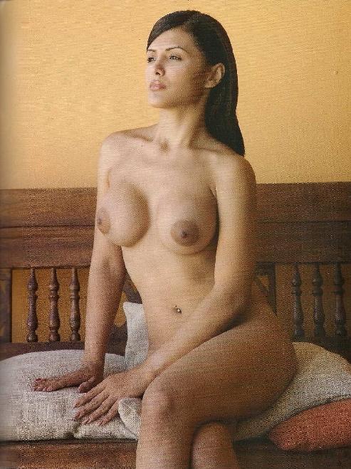 album famosas fotos de vanessa contreras en playboy venezuela marzo