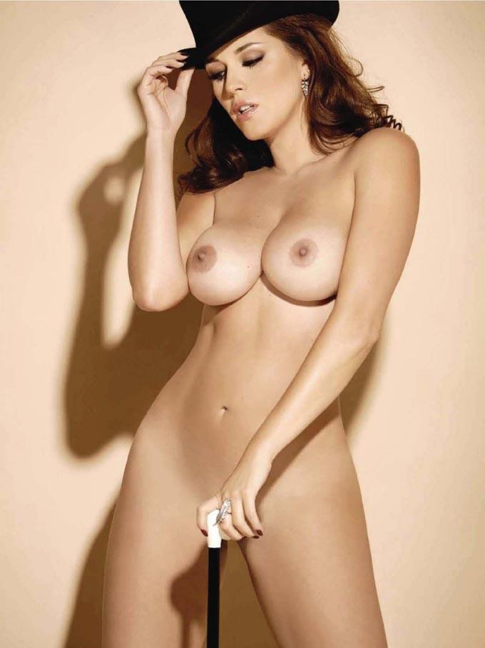Más fotos de Miss California 2009 en Topless - Puerta