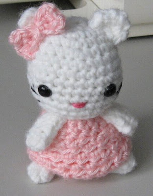 Ravelry: Amigurumi Crocheted Kitty pattern by Armina Parnagian