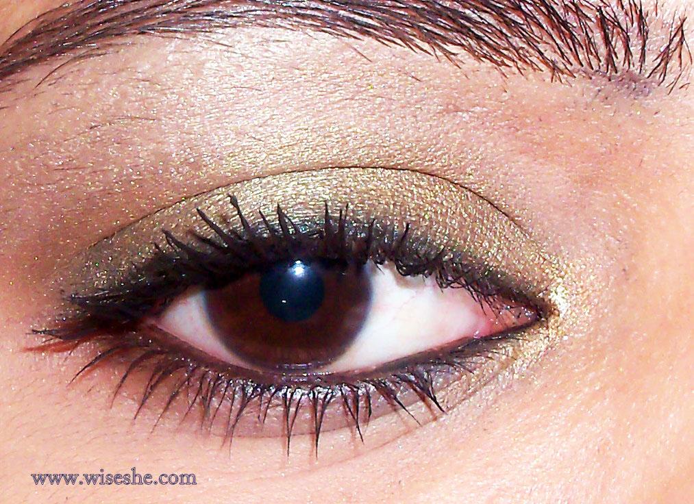 Eye make up with Maybelline eye studio lasting drama gel liner