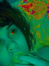 Anoche soñé contigo y no estaba durmiendo, todo lo contrario; estaba bien despierta...