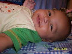 Choerona Tersenyum
