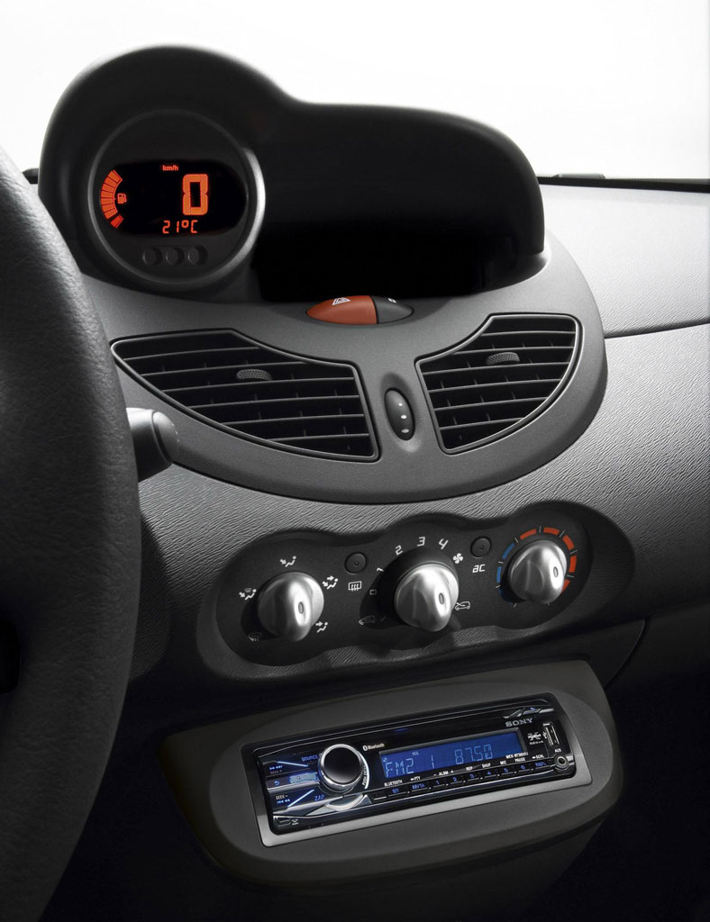 2011 renault twingo walkman limited edition. Black Bedroom Furniture Sets. Home Design Ideas