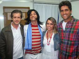 Sidney Carlos ao lado de Victor , Léo e Jamile