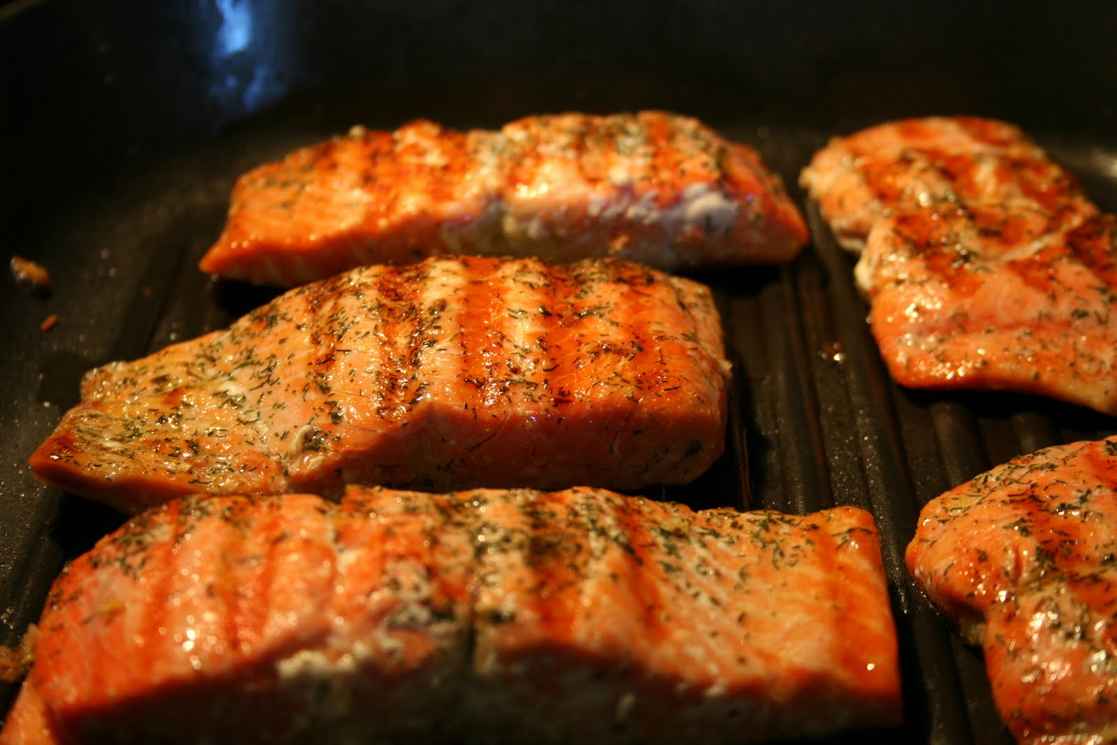 Janis cooks grilled salmon with quionoa salad and hericot for How to cook salmon fish