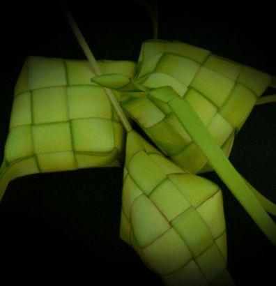 simbol terkenal bagi perayaan hari raya di malaysia ialah ketupat