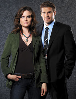 Couple Mystery in Bones Season 2