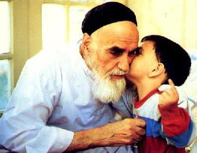 عکس امام خمینی (ره) و کودک