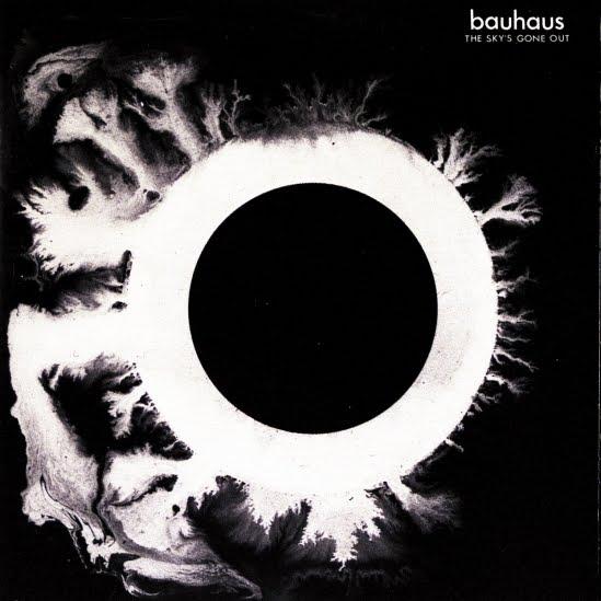 http://4.bp.blogspot.com/_AMOVOls7rgE/S-m8ZUeHTwI/AAAAAAAAAwY/vlPUSVr-UxE/s1600/Bauhaus-TheSkysGoneOut.jpg