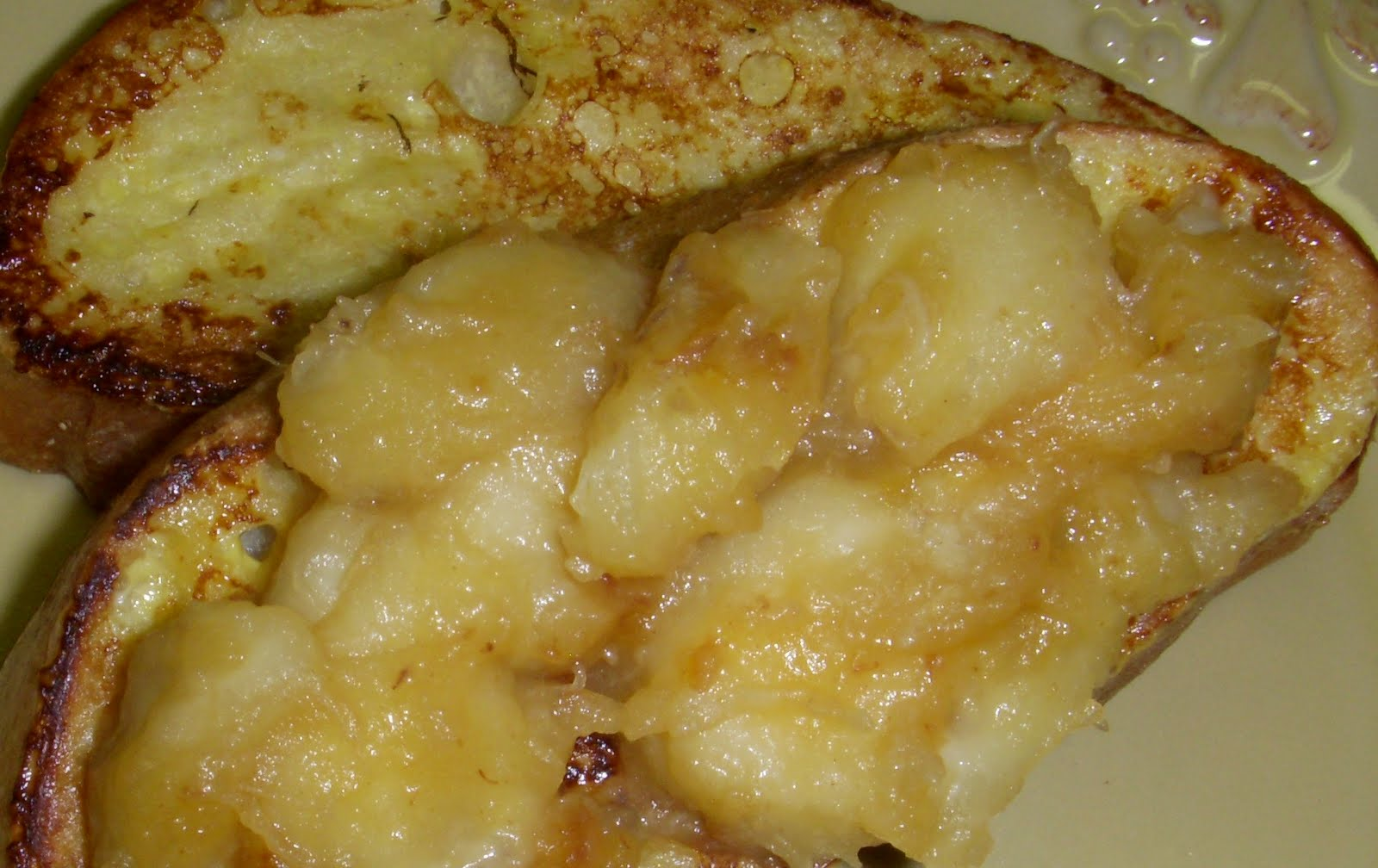 French Toast with Caramelized Bananas – Dallas Duo Bakes