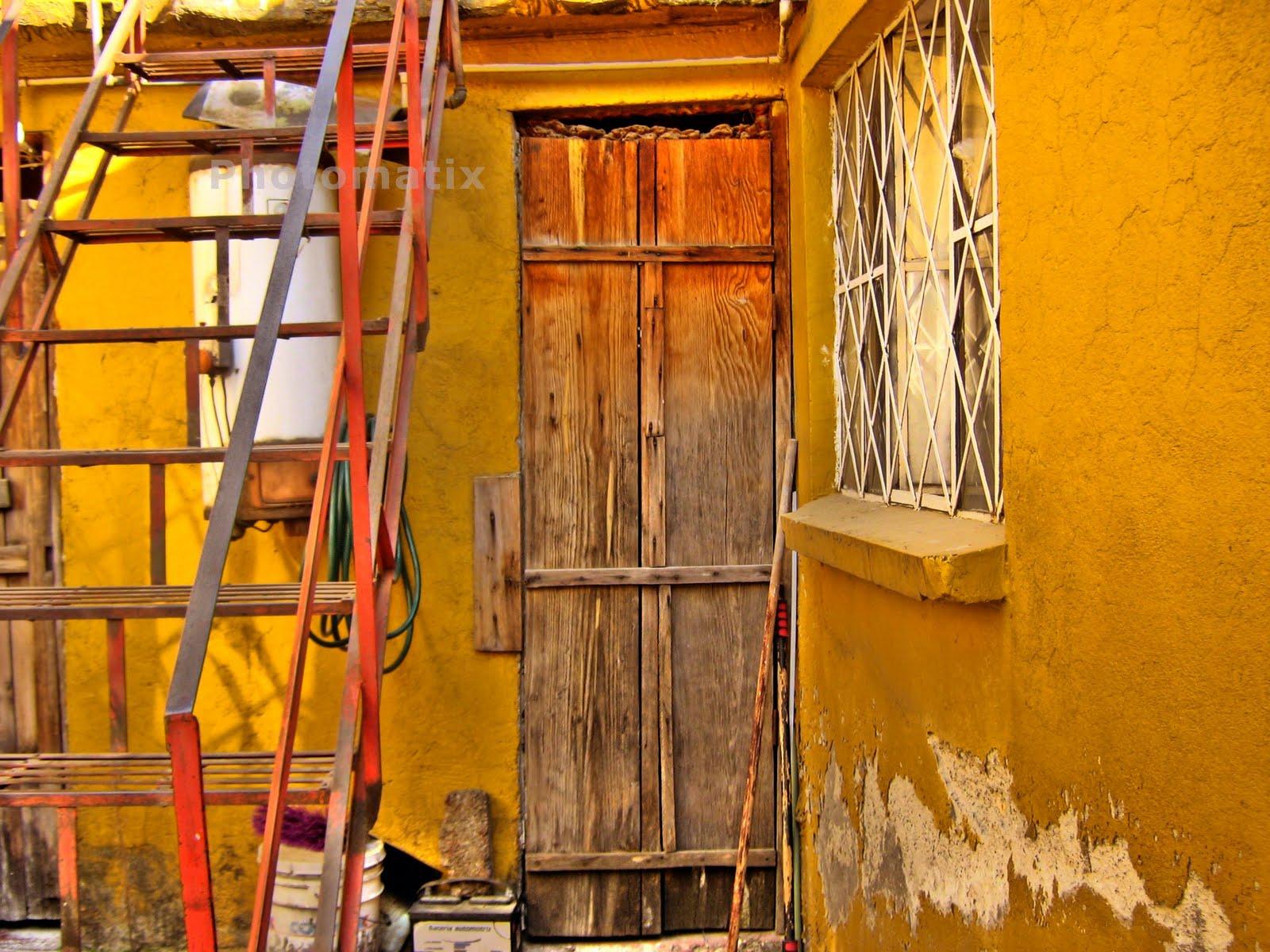 Neftalifotografia las puertas debajo de la escalera for Puertas debajo escalera