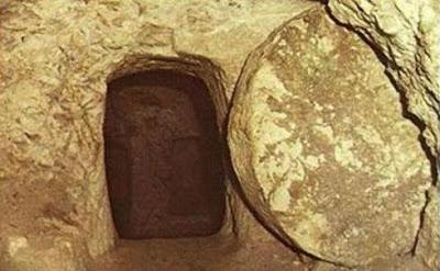 O túmulo está vazio!