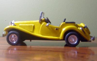 Miniatura artesanal do M