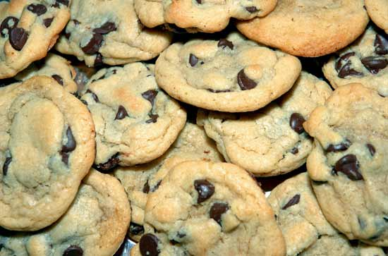 chewy-chocolate-chip-cookies.jpg
