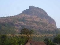 Mountain Peak at Ballaleshwar Ashthavinayak in Pali.jpg