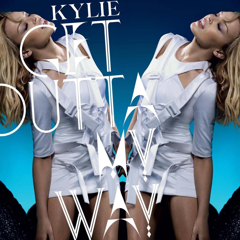http://4.bp.blogspot.com/_AR6az8wrDNU/TRtTOjl9BcI/AAAAAAAAADA/t5-PKSMJalI/s1600/Kylie+get+outta+my+way.jpg