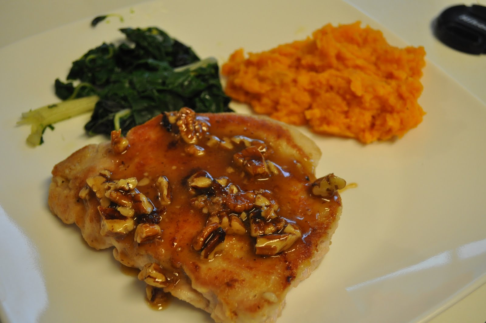 HAYLEE'S FOOD: Awesome Honey Pecan Pork Chops