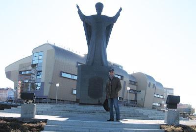 Николай возле Николая