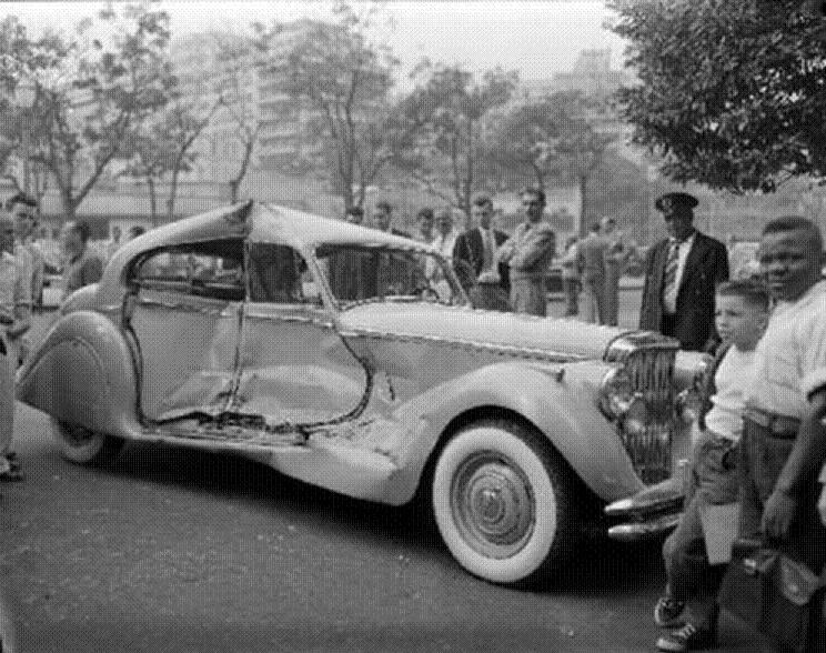 Antigos Verde Amarelo: Fotos antigas de carros acidentados no Rio de