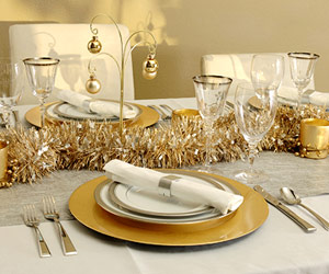 Christmas Gold And Silver Table Setting