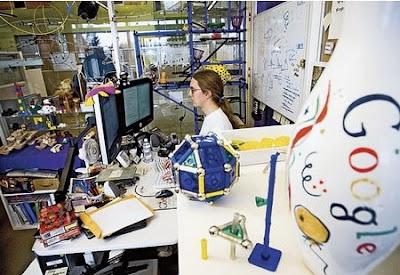 http://4.bp.blogspot.com/_AVc_Ro9D3Vw/SQIQKkXVYRI/AAAAAAAAB5U/4lP5z6F7Ftg/s400/Google-oficinas-myhaus.jpg
