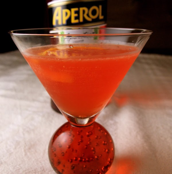 EAT.DRINK.THINK.: Bar Exam: Intro to Aperol cocktail- a new classic?