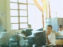 Estudiantes desarrollando una actividad del proyecto