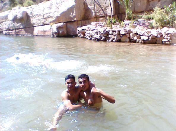 Extraordinaire piscine naturelle d'eau fraîche au-dessus d'Agadir - ...