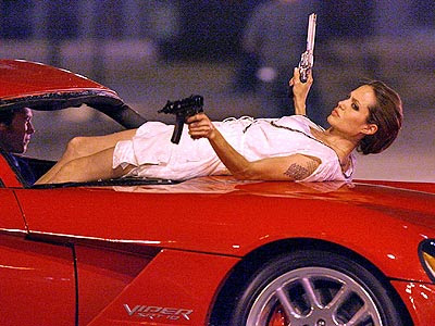 angelina jolie wanted gun. ANGELINA JOLIE WANTED GUN