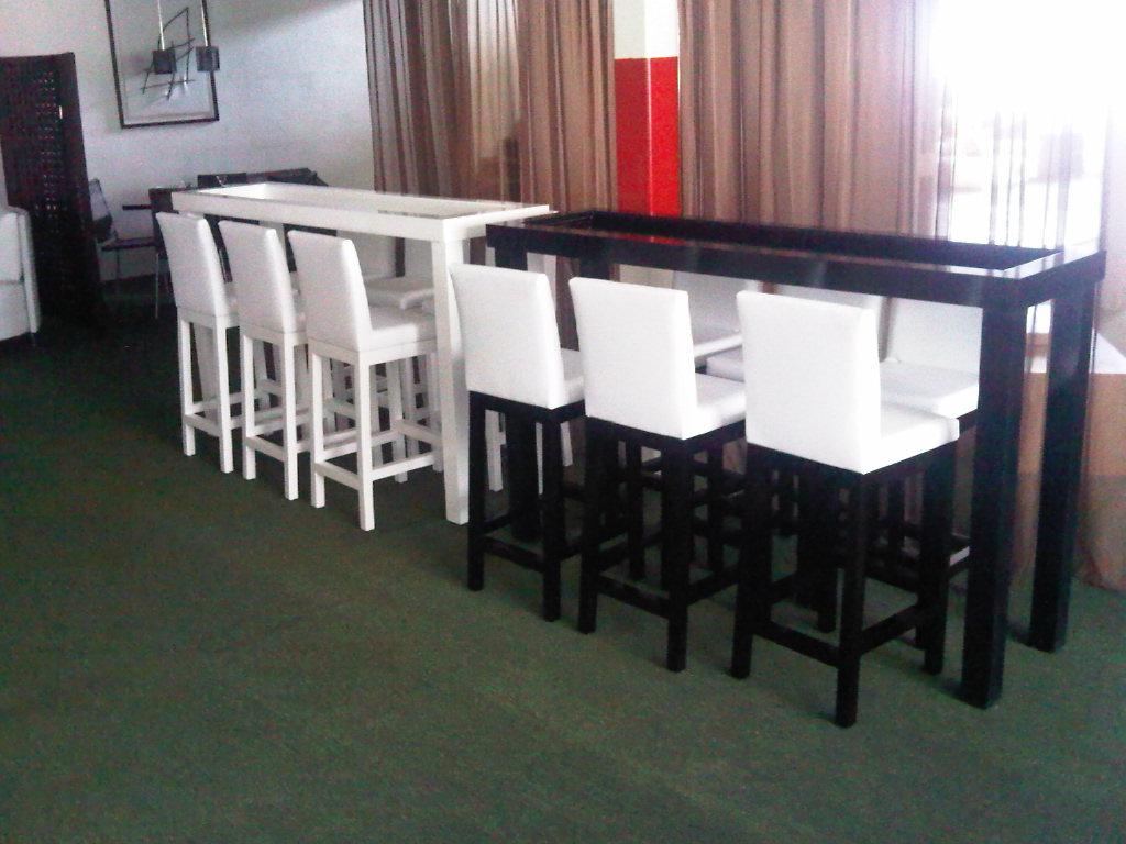 Marimar lounge accesorios y muebles complementarios for Muebles para bar lounge