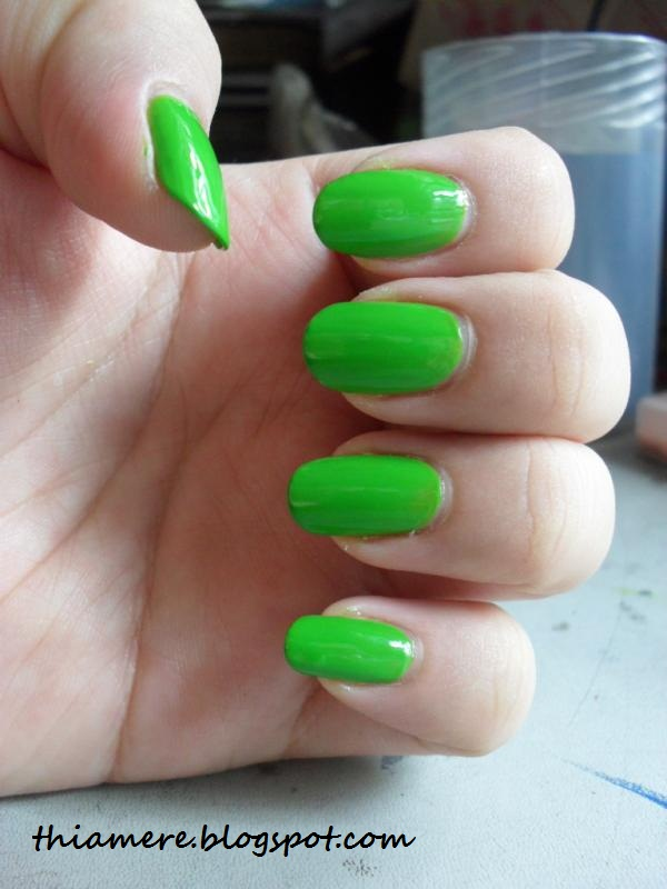 how to clean my brush afrer doinf artixle nails