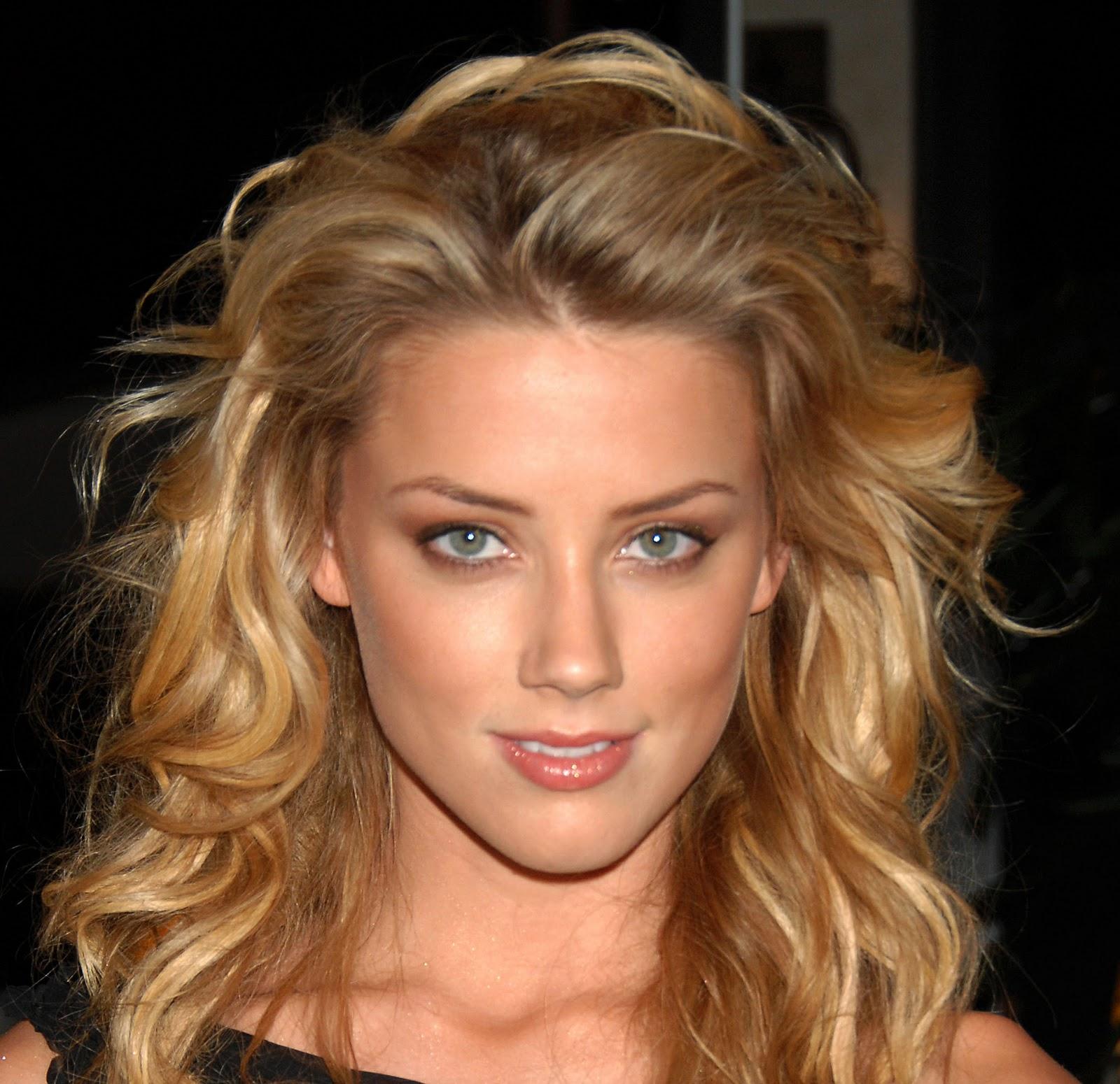 http://4.bp.blogspot.com/_AaNmlEmRD9Y/TTrrNZmqhfI/AAAAAAAAAww/bUYiNLyg7aI/s1600/Amber+Heard+02.jpg