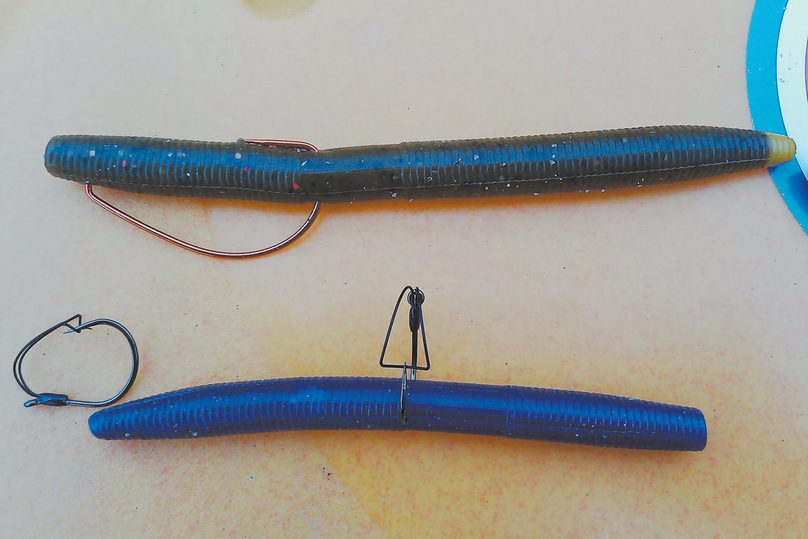 how to fish a texas rigged worm