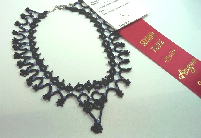 Tatting, Beading and Needlework: Tatted Necklace