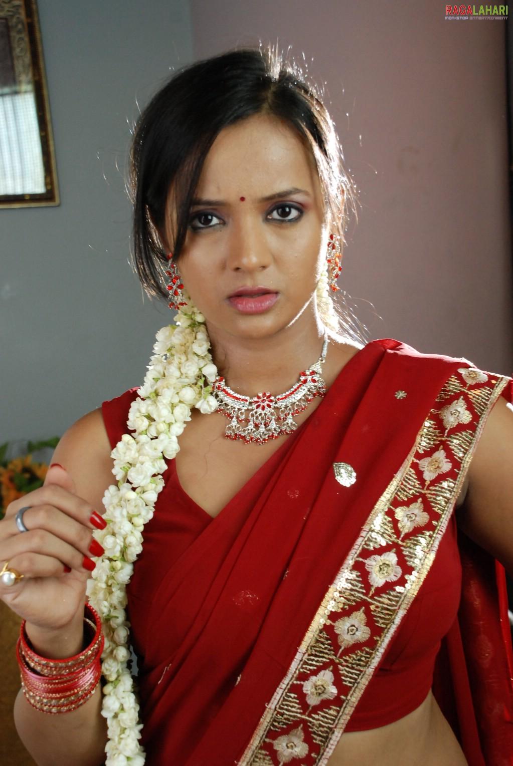 Actress thumbnails tanu rai for Murali krishna s janaki