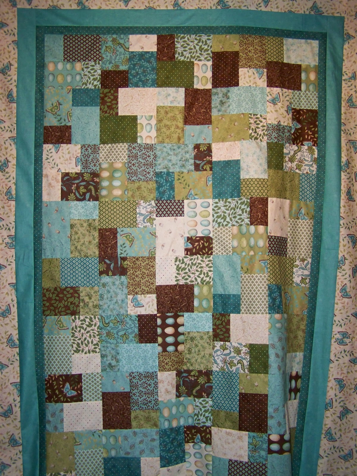 Easy Quilt Patterns With Layer Cakes : Pin Simply Stripy Quilt Pattern Easy And Quick Layer Cake Ebay Cake on Pinterest