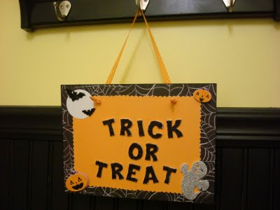 [trick+or+treat+sign]
