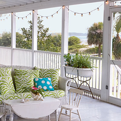 screen porch with lights