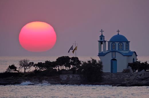 http://4.bp.blogspot.com/_AlZaPxnBPQg/TS_tZqOTGVI/AAAAAAAAK9M/2bWDqj4a_uQ/s1600/Sunrise+at+Gialiskari%252C+Ikaria+island+Church01.jpg