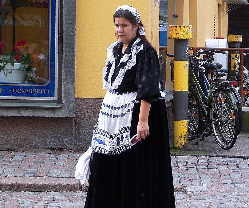 finesa finlandesa suomi finland passat present pasado presente past present mujer dona women porvoo vestido vestit