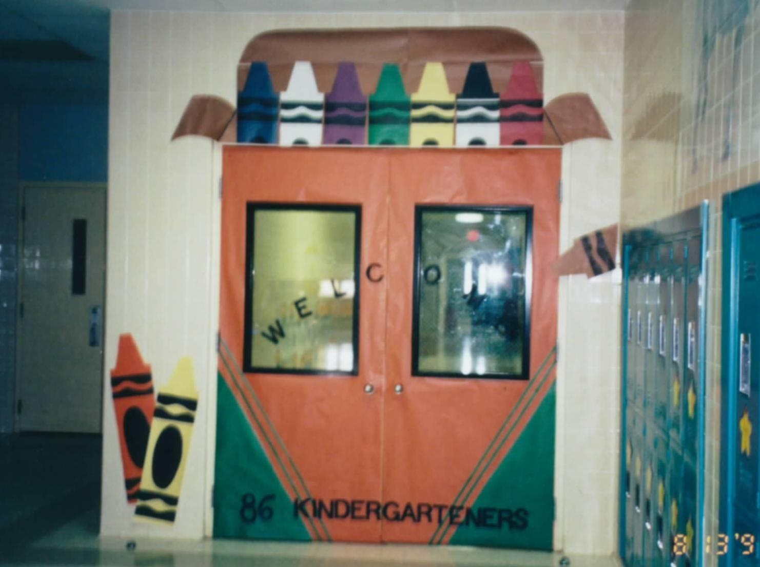 Chalk talk a kindergarten blog back to school bulletin for Back to school classroom door decoration ideas