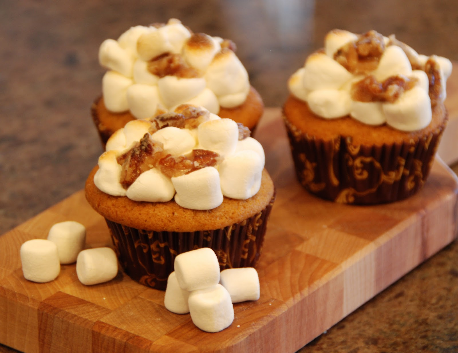 Simple Girl: Candied Sweet Potato Cupcakes